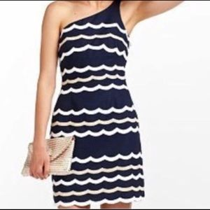 Lilly Pulitzer cocktail dress. Navy blue scallop.